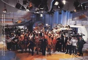 Die Moderatoren und die Studiocrew